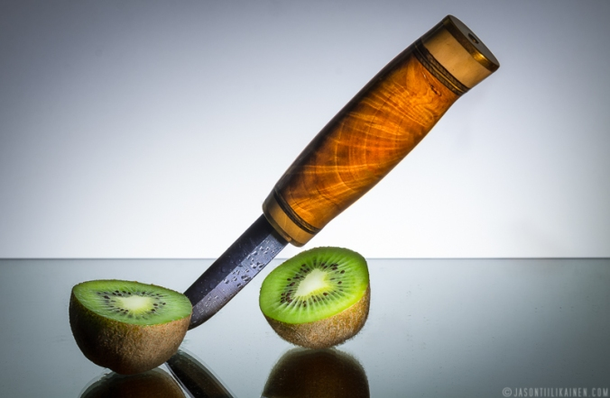 ''KNIFE & KIWI''. Product photography. Made by Johan Tiilikainen.