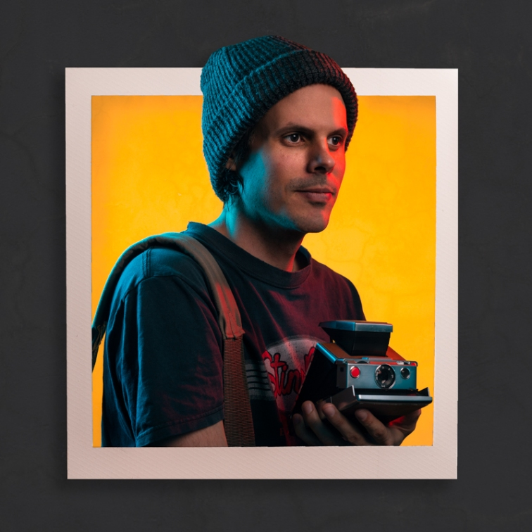 ''POLAROID PROFILE''.