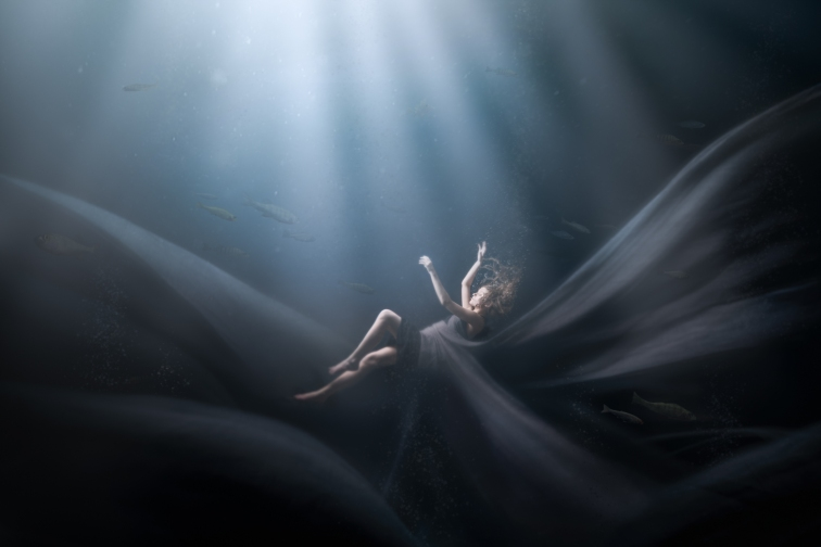 ''SUBMERGED''. Model: Rosa Summanen. Joensuu, Finland.